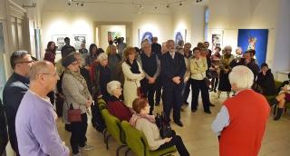 Hézső Ferenc tárlatvezetésével búcsúzott a kiállítás