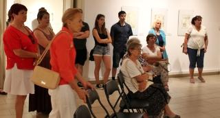 A Kass család és barátaik a grafikus vásárhelyi kiállításán