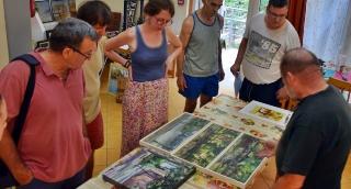 A jövő évi beszámoló kiállításra is válogatták az idei mártélyi alkotótáborban készült műveket