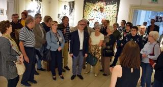 Rotary klubtagok az Alföldi Galériában. Változatosságában is gyönyörködtető az idei Vásárhelyi Őszi Tárlat