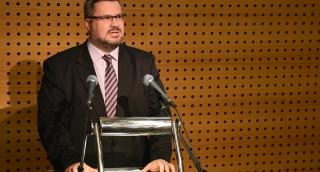 iklós Péter a Magyarságkutató Intézet konferenciáján