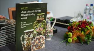 A vásárhelyi fazekasságról írt könyvet Nagy Vera néprajzkutató